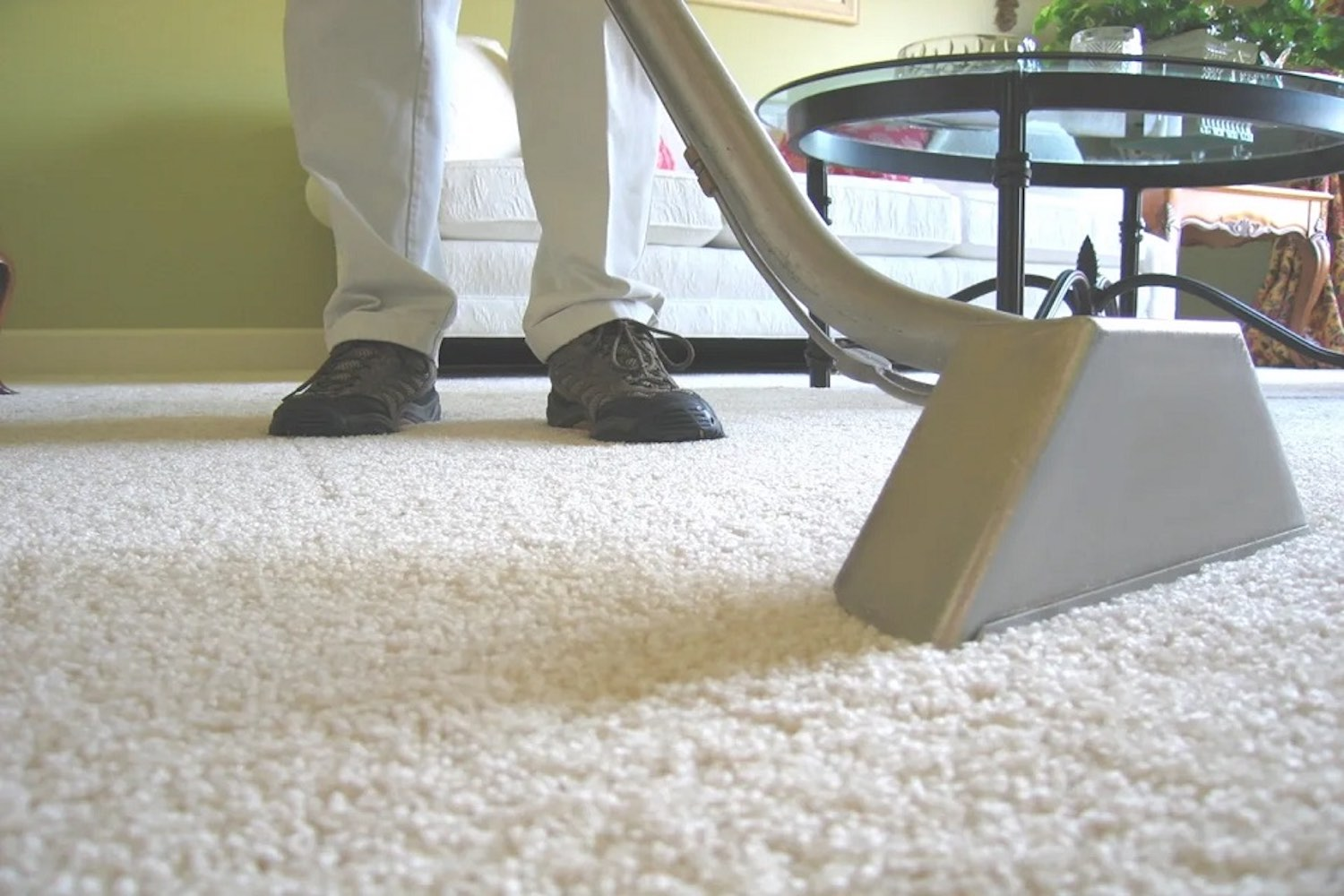 How To Clean Dirty Carpets Professionally?